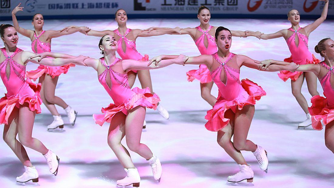 Россия настаивает на включении синхронного фигурного катания в программу Олимпиады. Разбираемся, что это такое