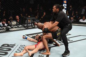 Чемпион из Нигерии жестко вырубил самого дерзкого кубинца. Камару Усман продолжает уничтожать в UFC
