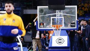 Игрок сломал баскетбольный щит во время попытки забить сверху. Он хотел уничтожить «Химки»