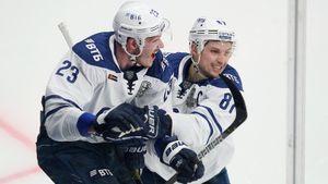 От Яшкина отказались в Америке, Шипачев потерял все из-за поездки в «Вегас». Как «Динамо» получило лучший дуэт КХЛ