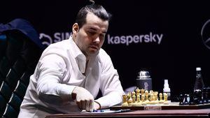 Ян Непомнящий сдержал самого сильного соперника на Турнире претендентов. Но к нему приблизился русский голландец