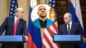 «Трамп считает, что коронавирус — шутка. Путин серьезнее». Монсон — о пандемии и бое Хабиба с Фергюсоном