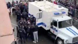 Болельщица «Шинника» рассказала, что случилось во Владимире во время массового задержания