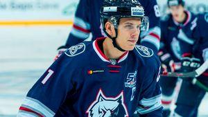 Хоккеисту из Украины не дали играть в лучшем клубе России. В новой команде он сразу стал звездой