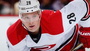 Русский хоккеист 6 лет получал деньги от американского клуба, играя на родине. «Каролина» заплатила Семину $14 млн