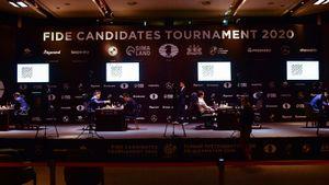 На Турнире претендентов образовалась четверка шахматистов, которые поборются за победу. В ней только один россиянин