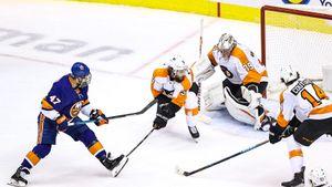 Первый гол русского финна в плей-офф НХЛ — победный! До этого Комаров выводил из себя Овечкина