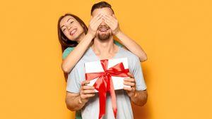 Что подарить на 23 февраля: 10 идей, как порадовать мужчину