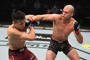 127 ударов за 25 минут. Один из самых ярких бойцов UFC Ортега перебил Корейского Зомби и обогнал Магомедшарипова
