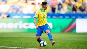 Фишка Фирмино — забить, не глядя на мяч. Новый шедевр — в ворота Перу