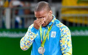 «Уберите свои руки от спорта». Лучший украинский борец против чиновников