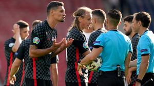 Ловрен назвал шуткой пенальти, назначенный в матче Хорватия— Чехия
