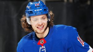 Жил в бедности, был забракован топ-клубом КХЛ, стал самым дорогим русским хоккеистом. Тернистый путь Панарина