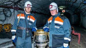 Деды Сорокина работали на шахте. Теперь MVP Кубка Гагарина спустил туда главный трофей КХЛ