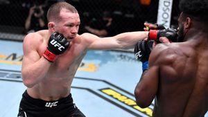 Чемпион UFC Стерлинг снялся с реванша против Петра Яна