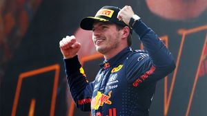 В Формуле-1 революция! Суперталант из Нидерландов выиграл третью гонку подряд, Хэмилтон даже не в топ-3