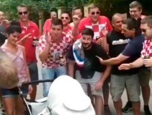 Фанаты сборной Хорватии спели наулице колыбельную для маленькой словацкой девочки