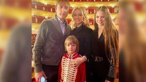Плющенко, Рудковская и Гном Гномыч сходили на балет в Большой театр вместе с Трусовой: фото