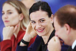 Исинбаева призналась, что не готова работать тренером: «Может быть, лет через 20»