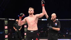 Лучший русский тяж в UFC пополнит коллекцию скальпом легенды. Прогноз на бой Алистар Оверим — Александр Волков
