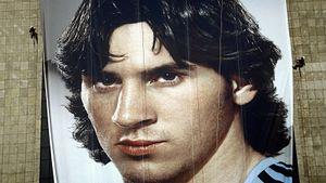 Каким был молодой Месси. «Он стеснялся, готовил кофе для Роналдиньо и молчал»
