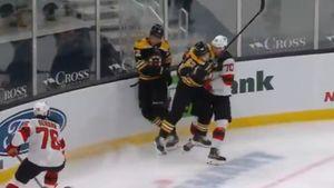Самый грязный игрок НХЛ подло уложил на лед русского защитника. 5 лет назад Маршан разбивал Куликову лицо о борт