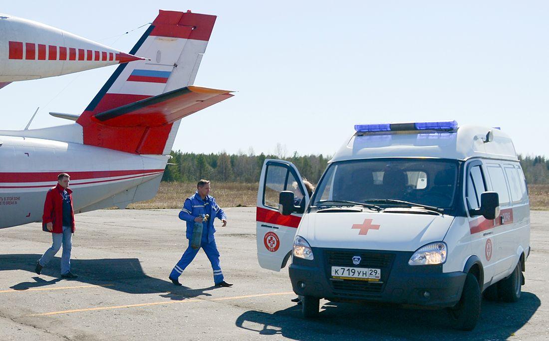 Врач футбольного клуба «Арарат» спас жизнь пассажиру наборту самолета
