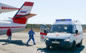 «Нам аплодировал весь самолет». Врач «Арарата» спас жизнь пассажиру