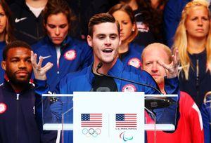 Американец Будайя мечтал ославе, выиграл Олимпиаду, нооказался вдепрессии. Теперь его миссия— помогать людям