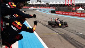 Ферстаппен выиграл Гран-при Франции, Мазепин стал последним