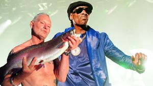 Избил труп отца, поругался со Snoop Dogg. Что творит легендарный Пол Гаскойн на шестом десятке