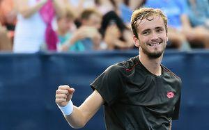 В первый день US Open вылетело 7 россиян. Но Даниил Медведев продлил свою уникальную серию