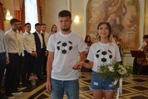 Саратовский футболист сыграл свадьбу под гимн чемпионата мира-2018