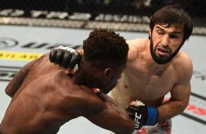 Чеченский друг Хабиба проиграл на UFC в Абу-Даби. После боя канадец Даводу сказал, что Тухугов от него убегал
