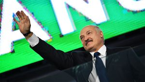 Тяжеловес UFC Орловский приглашал Лукашенко насвой бой