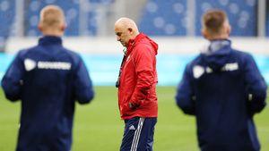 Арустамян: «Руководство РФС обсуждает тему тренера сборной. Оцениваю вероятность отставки Черчесова как реальную»