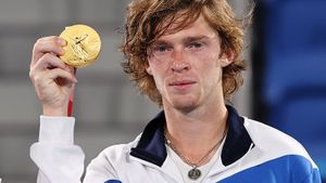 Русский теннисист готов обменять олимпийское золото. Что с этой медалью не так?
