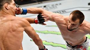Боец UFC Салихов отправил соперника в нокаут одним ударом. В Китае его называют охранником Путина