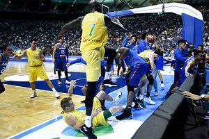 13 баскетболистов дисквалифицированы за чудовищную драку. Что произошло