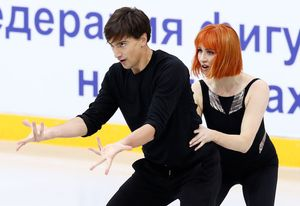 Россияне Загорски и Гурейро потеряли балл в ритм-танце на Гран-при Франции из-за пуговицы