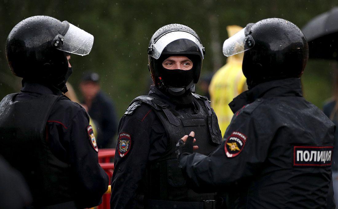 Шокирующее видео. работники ОМОНа избили болельщиков «Спартака»