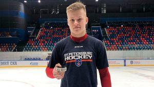 Куда пропал главный талант российского хоккея. Мичков не играет из-за коронавируса или конфликта с партнерами