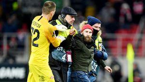 Фанат напал на Глушакова, «Спартак» снова проиграл «Рапиду». Кононов в шаге от вылета из Лиги Европы