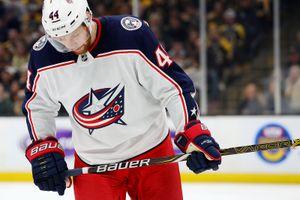 Отважный поступок русского защитника в НХЛ. Гавриков бросился под шайбу, несмотря на преимущество в 2 гола