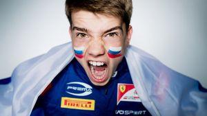 Русский пилот Шварцман стал чемпионом Формулы-3. Он может попасть в «Феррари» и затмить Квята