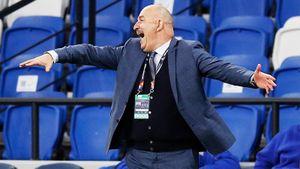 Черчесов мог уйти из сборной России царем. Сейчас он под ударом