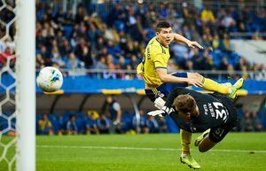 Футболист «Ростова» Зайнутдинов забил гол через 83 секунды после выхода на поле. Первым же касанием