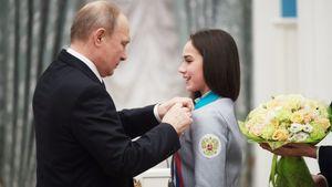 Путин поздравил Загитову с18-летием