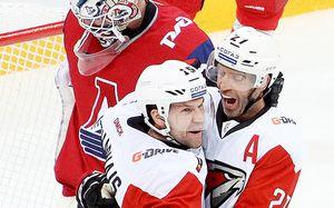 Клубу КХЛ оказались не нужны два канадца. Они быстро нашли новую команду и отомстили