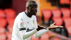 Расистский скандал в Испании: игроки «Валенсии» прервали матч и ушли с поля из-за оскорблений